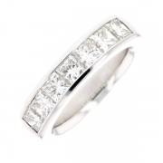 Demi-alliance diamants princesses 2 carats en or blanc