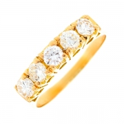Bague jarretière diamants 0.75 carat en or jaune