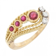 Bague serpent stylisé diamants 0,12 carat et rubis 0,22 carat en or bicolore