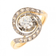 Bague tourbillon diamants taille ancienne 0.40 carat en or bicolore