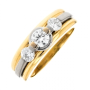 Bague trilogie de diamants 0.70 carat en or bicolore