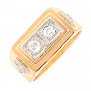 Bague vintage diamants 0.24 carat en or bicolore