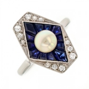 Bague saphirs 0.35 carat, diamants et perle en or blanc