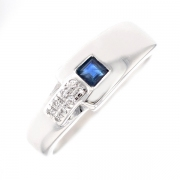 Bague saphir 0.08 carat et diamants 0.04 carat en or blanc