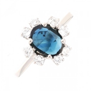 Bague marguerite saphir 0.84 carat et diamants 0.16 carat en or blanc