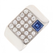 Bague pavage diamants 0.63 carat et sapir 0.70 carat en or blanc