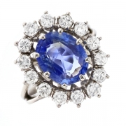 Bague marguerite saphir 4.14 carats et diamants 1.40 carat en or blanc