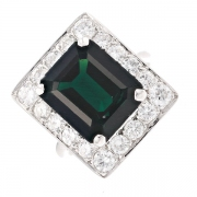 Bague rectangulaire saphir 8.23 carats et diamants 1.24 carat en or blanc