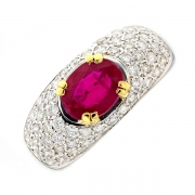 Bague rubis 1.40 carat et pavage diamants 0.55 carat en or bicolore