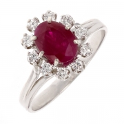 Bague margueritte rubis 1.68 carat et diamants 0.27 carat en or blanc