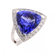 Bague tanzanite troidia 8.16 carats et diamants 0.96 carat en or blanc