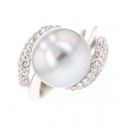 Bague perle de Tahiti et diamants 0.90 carat en or blanc