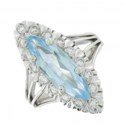 Bague marquise vintage aigue marine de 2,33 carats et diamants 0,34 carat en or blanc