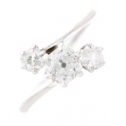 Bague trilogie de diamants 0.84 carat en or blanc