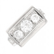 Bague ancienne trilogie de diamants 1 carat en or blanc