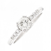 Solitaire diamants 0.63 carat en or blanc