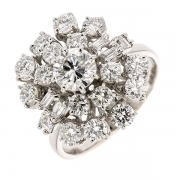 Bague fleur diamants 2,46 carats en or blanc