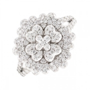 Bague fleur diamants 0.65 carat en or blanc