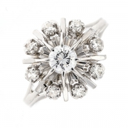 Bague fleur vintage diamants 0.35 carat en or blanc