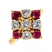 Bague losange diamants 0.85 carat et rubis en or jaune