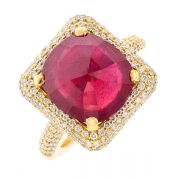 Bague rubis 7.30 carats et diamants 0.75 carat en or jaune