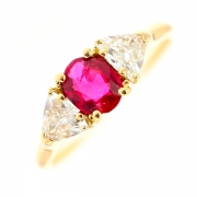Bague rubis 0.59 carat et diamants 0.90 carat en or jaune