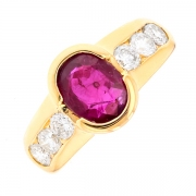 Bague rubis 1.15 carat et diamants 0.96 carat en or jaune
