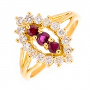 Bague diamants 0.48 carat et rubis 0.35 carats en or jaune