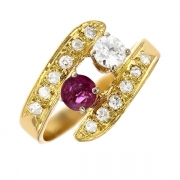 Bague diamants 0.43 carat et rubis 0.19 carat en or jaune