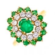 Bague marguerite émeraudes 2.40 carats et diamants 0.84 carat en or jaune