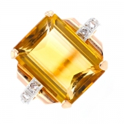 Bague citrine 9.5 carats et roses de diamants 0.06 carat en or bicolore