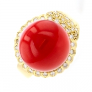 Bague boule de corail et diamants 0.36 carat en or jaune
