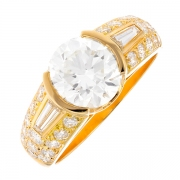 Bague signée VICTOROFF diamants 3.89 carats en or jaune