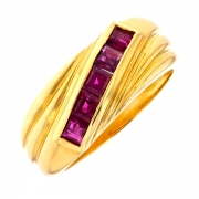 Bague rubis 0.40 carat en or jaune