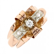 Bague vintage diamants en or rose 4.08 grs