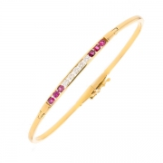 Bracelet jonc ouvrable diamants 0.30 carat et rubis 0.48 carat en or jaune
