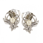 Boucles d'oreilles diamants 0.14 carat et perle en or blanc