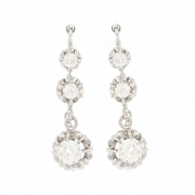 Boucles d'oreilles dormeuses diamants 0.70 carat en or blanc