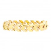 Bracelet maille chevrons diamants 0.54 carat en or jaune 31.29grs