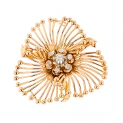 Broche florale vintage diamants 0.22 carat en or jaune rosé