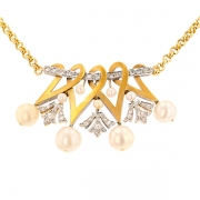 Collier motif perles blanches et roses de diamants en or jaune 17.77grs