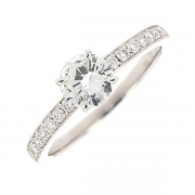 Bague solitaire accompagn?e diamants 0.85 carat en or blanc