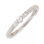 Solitaire signée MAUBOUSSIN diamants 0.10 carat en or blanc