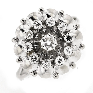 Bague fleur diamants 0.47 carat en or blanc