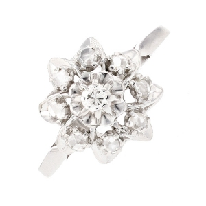 Bague fleur diamants 0.09 carat en or blanc
